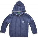 Плетена жилетка за момче с качулка в синьо
